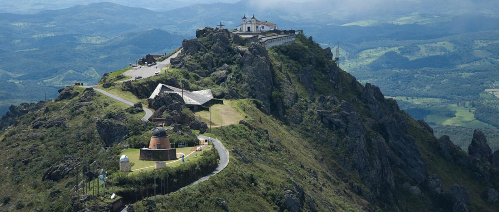 Serra da Piedade: um local de fé e natureza exuberante.